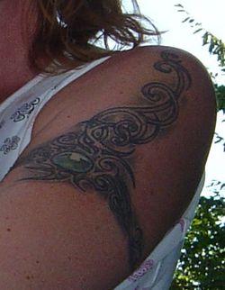 Tat left arm