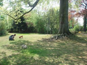 Kita & Tim in the garden